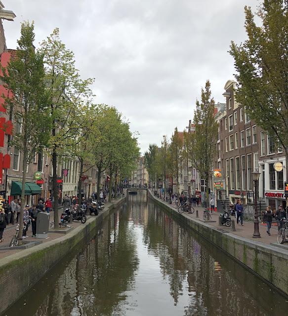 Kurkistus Amsterdamin punaisten lyhtyjen alueelle 3