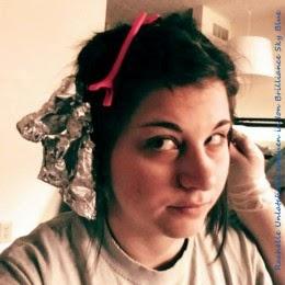 rachelle putting foil on hair to bleach it