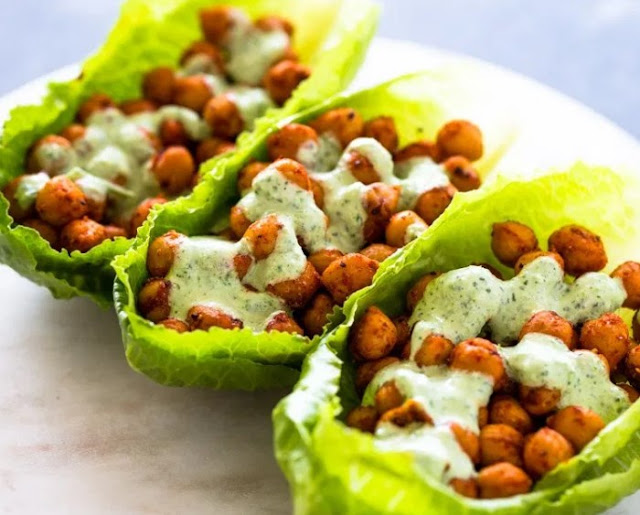 Spicy Chickpeas lettuce wraps with cilantro Jalapeno sauce #vegan #lunch