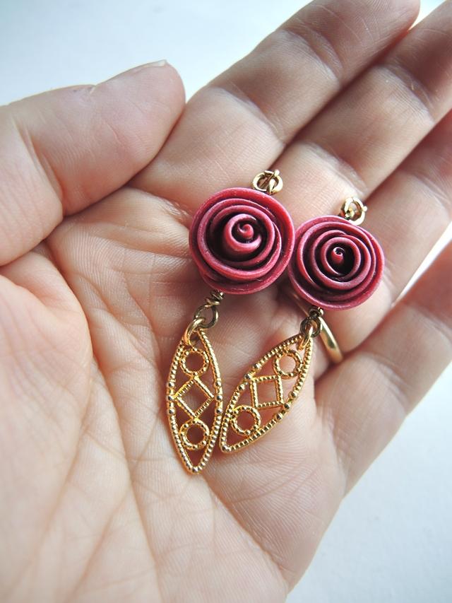 DIY oorbellen/earrings: rozenknopje