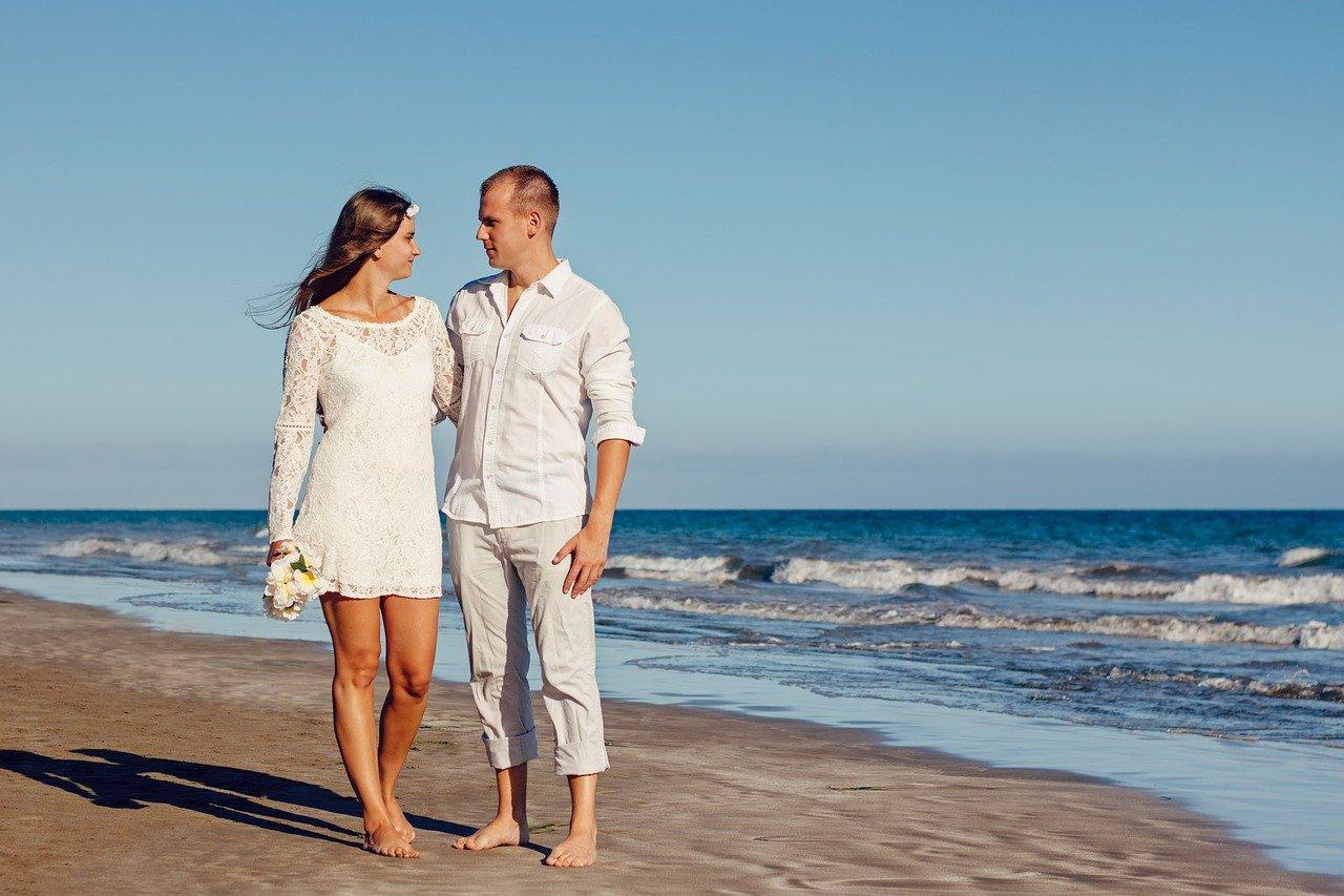 Pasangan Menikah Lebih Sehat Bahagia Dibandingkan Lajang