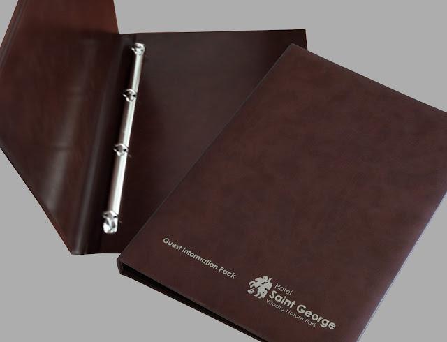 Информационна папка за хотел, хотелска папка, книга за гости, кожени менюта, органайзери, класьори и тефтери, папки за хотели, менюта за заведения