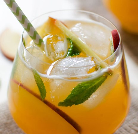 PEACH FLAVORED PERFECT LEMONADE #drinks #summerdrink