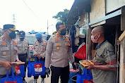 Terdampak Saat PPKM Darurat, Polres Metro Jakarta Barat, Bagikan Sembako dan Daging Kurban Siap Saji ke Warga Kalijodo