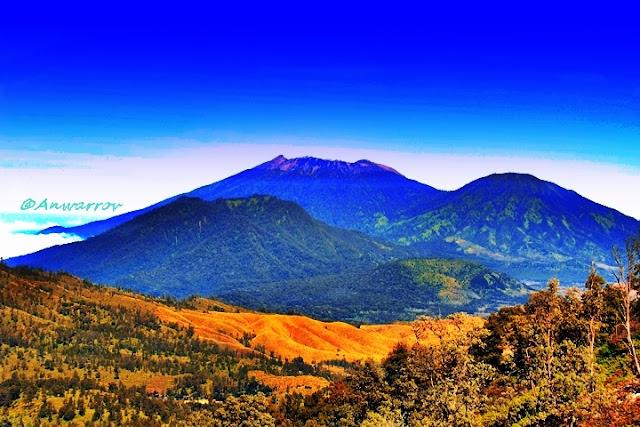 Gunung Ijen di Banyuwangi ditetapkan sebagai cagar biosfir dunia oleh Unesco.