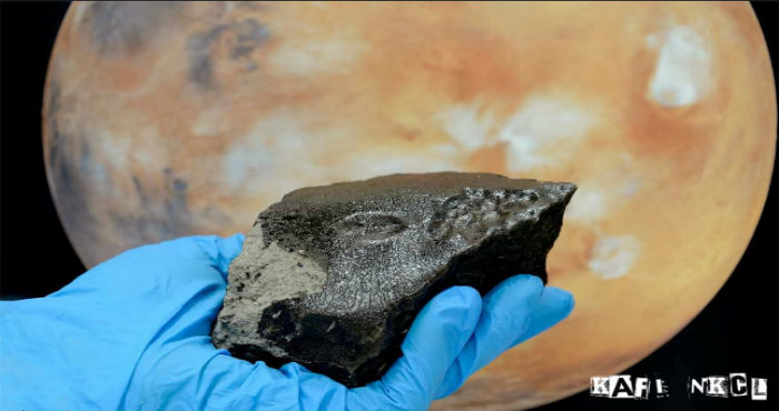 Pecahan Meteorit Tissint yang jatuh Dari Planet Mars ke Bumi