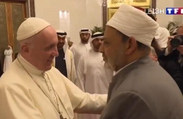 Discours d'extrême gauche sur les migrants : Le Pape François cite désormais le grand imam du Caire