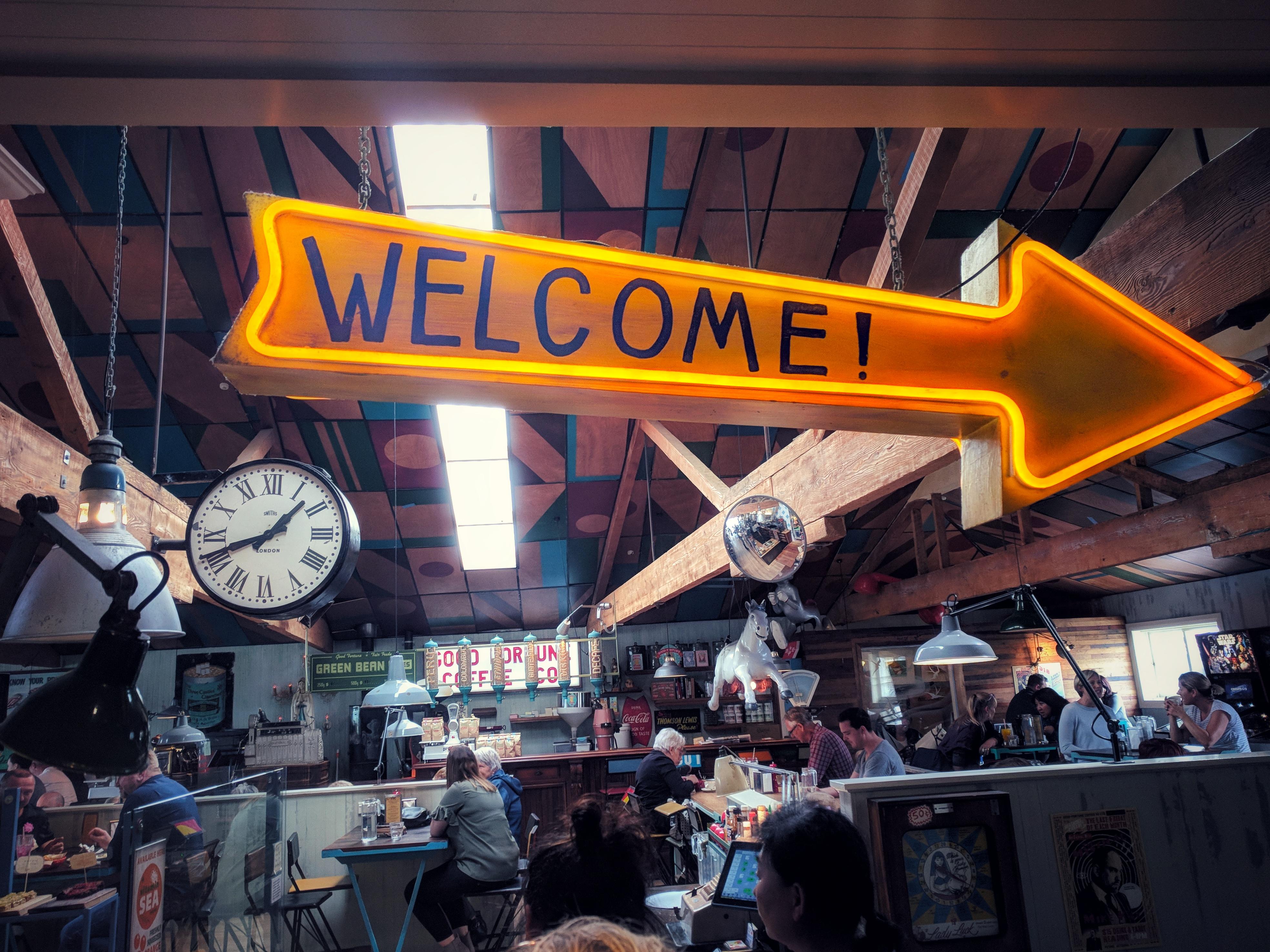 Seashore Cabaret welcome sign