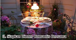 Siapkan Dinner Romantis Bersama merupakan salah satu tips membuat dekorasi valentine romantis dengan mudah