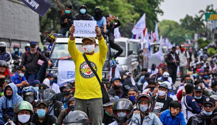 Pengamat Politik: Jangan-jangan Menteri Jokowi Pada Takut Ketemu Pendemo