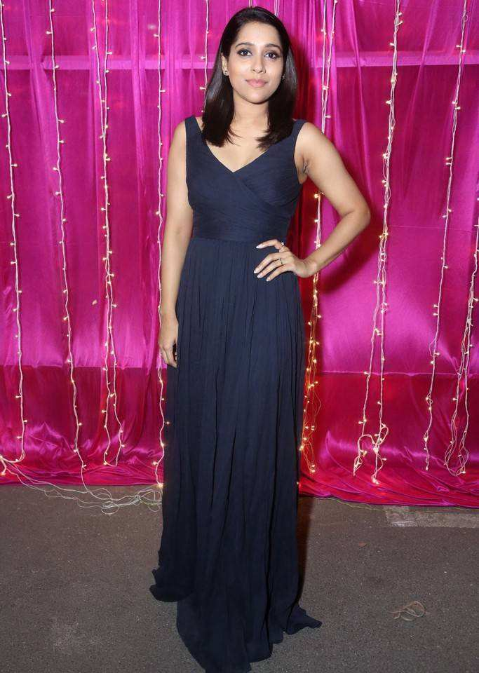Rashmi Gautam At Zee Telugu Apsara Awards 2017 In Blue Dress