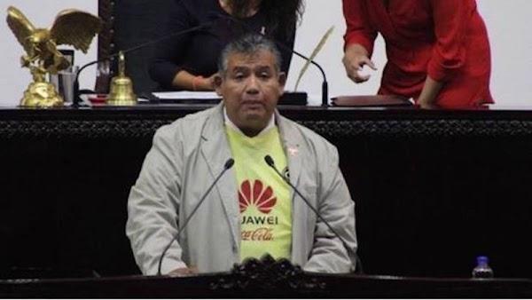 """Diputado sube a tribuna con playera del América, es el """"mejor equipo de México""""  afirmo."""