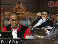 Berubah-ubah, Hakim MK Saldi Isra Semprot Saksi Kubu Jokowi