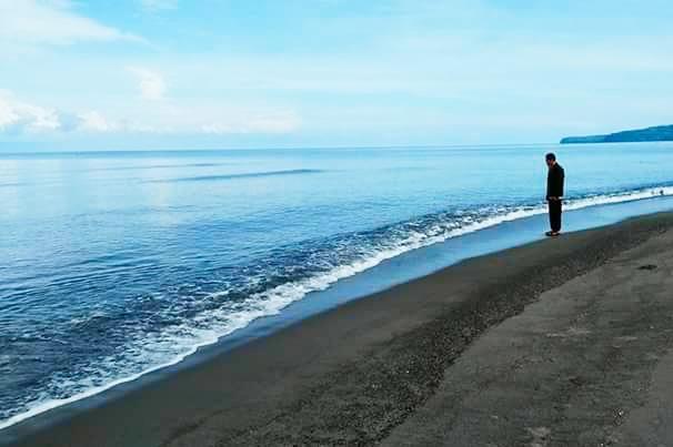Wisata Ke Pantai Marimbati