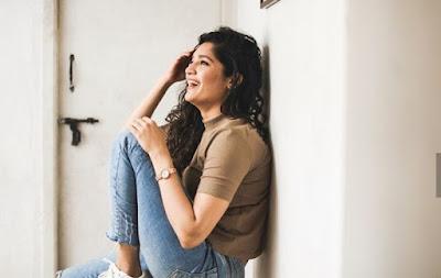 Ritika Singh Photos