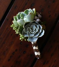 rustic outdoor boutonniere