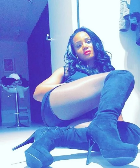 Nudist Maheeda is about to be president's wife (photos)