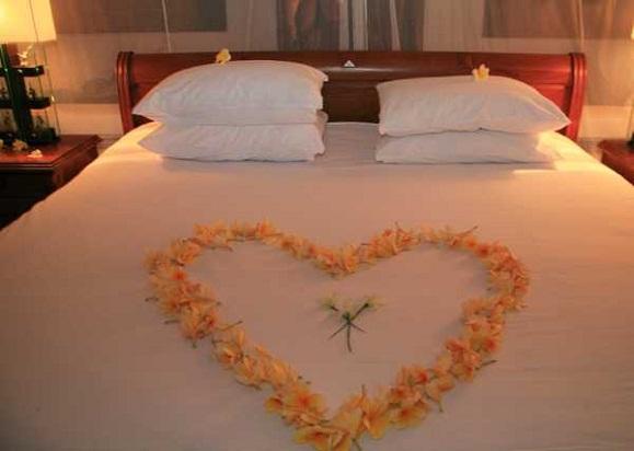 outdoor kitchen furniture: wedding bedroom decorating with ...