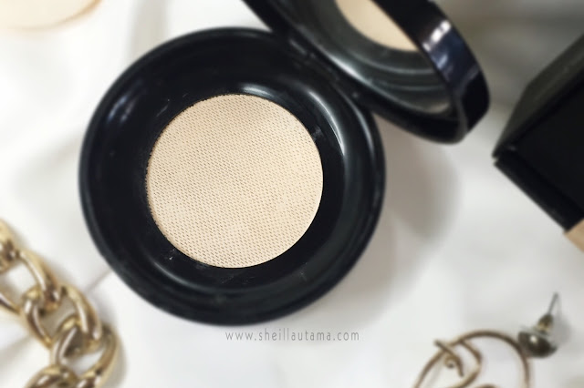 Review Looke Cosmetics The Holy Smooth & Blur Loose Powder