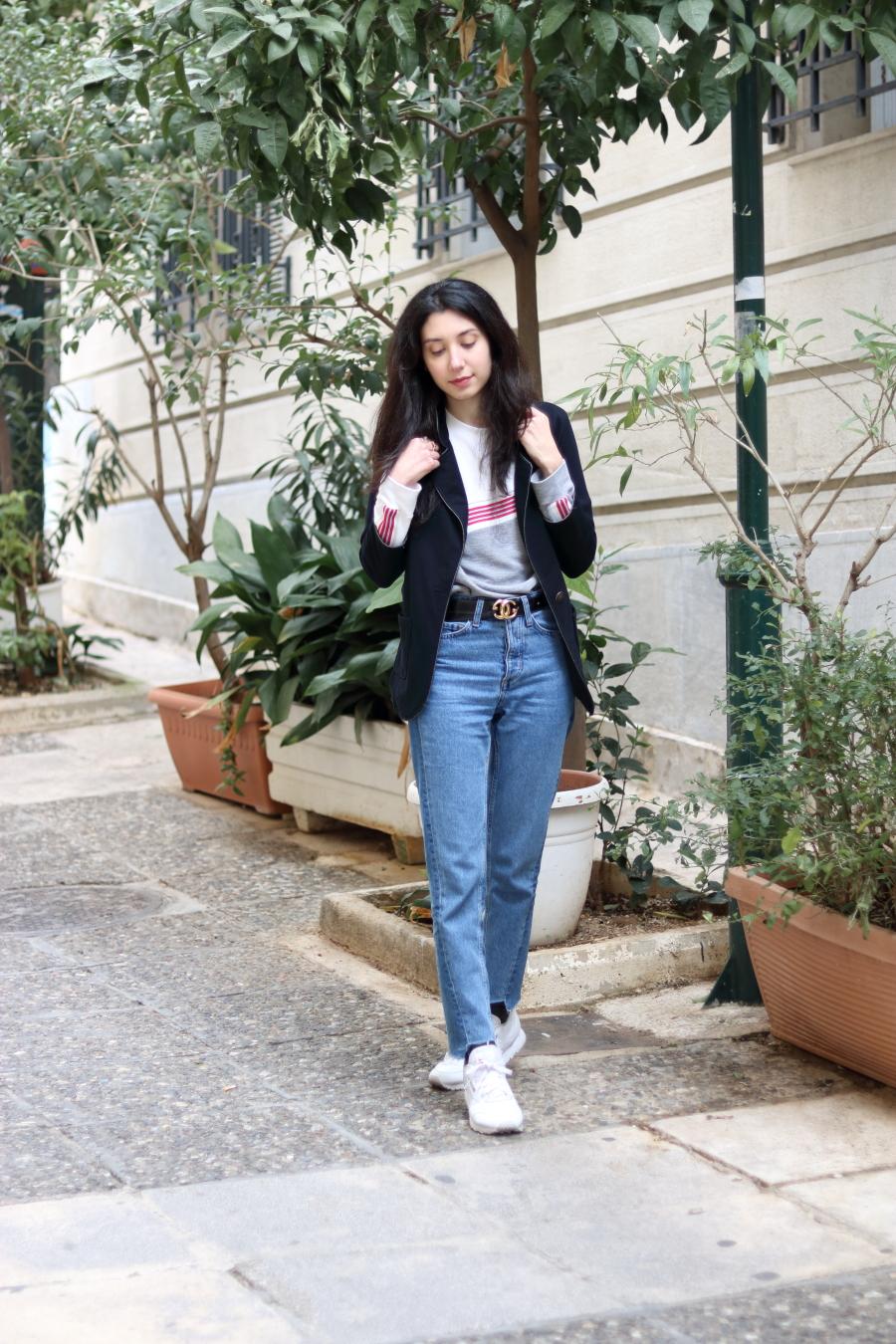 Blazer-Sweatshirt-Jeans-Sneakers-Reebok-Belt-Gucci