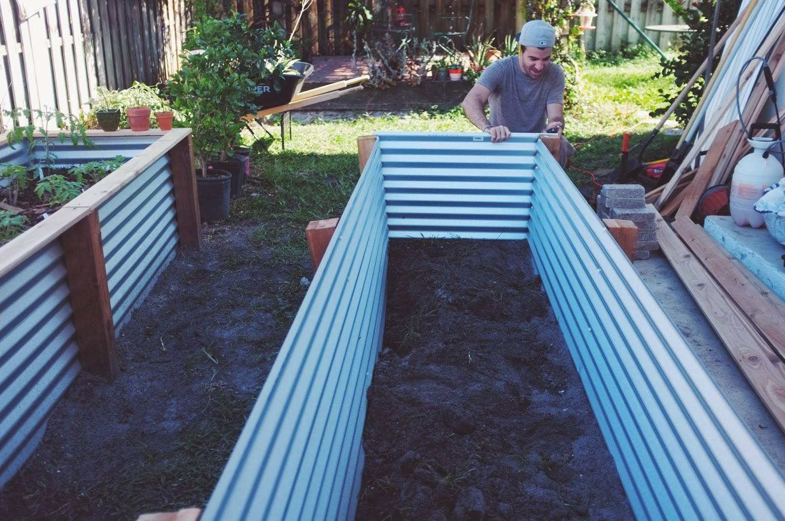 Retaining wall ideas corrugated steel and timber - 17 Best Images About Raised Garden Beds On Pinterest