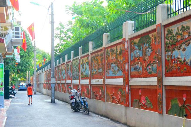 Con đường tranh gốm tại Hà Nội