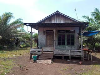 Hilang dari Daftar Penerima, Puluhan warga Desa Mekar Sari gagal menerima Bantuan Bedah Rumah