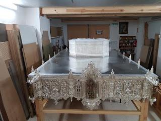 Nueva parihuela procesional para el palio del Dulce Nombre de Jerez