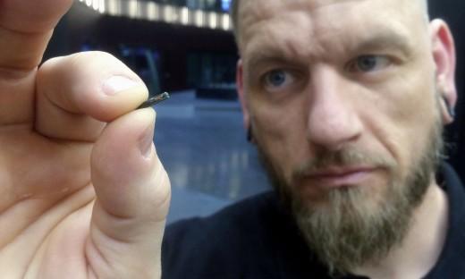 Χιλιάδες Σουηδοί αντικαθιστούν τις πιστωτικές κάρτες με μικροτσίπ κάτω από το δέρμα