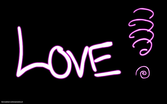 Zwarte wallpaper met de tekst love