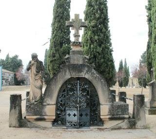 Panteón de la familia Gardeta-Guinda.