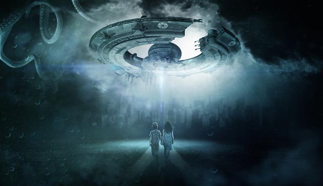 उड़न तश्तरी से गिरा धातु का वह टुकड़ा - Real Story of Alien