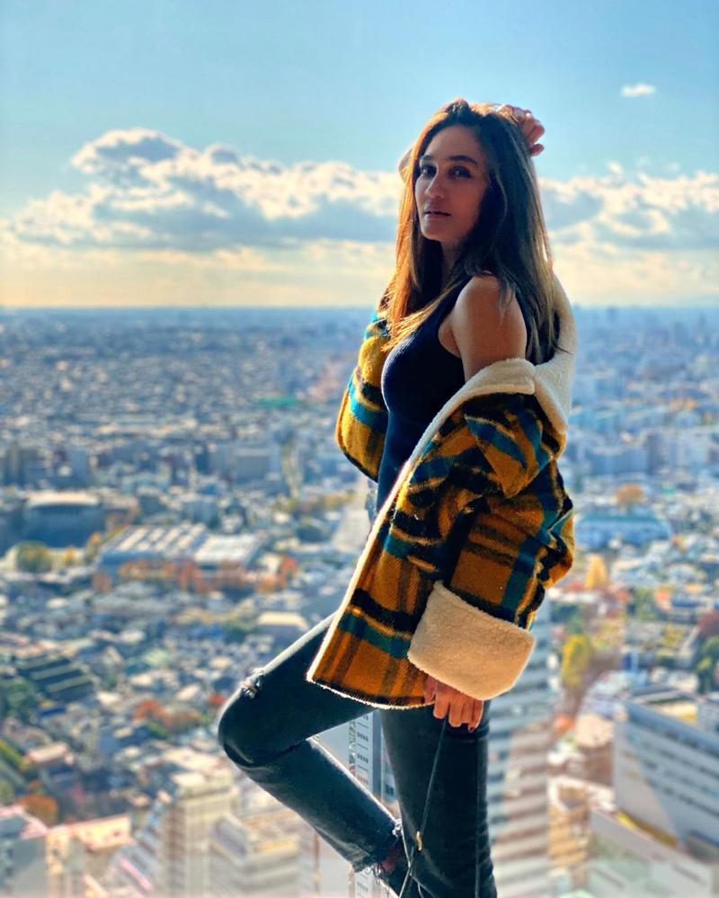 Luna Maya artis cantik dan seksi manis