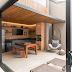 Espaço gourmet com tijolinhos + cobertura metálica e de madeira. Veja antes e depois!