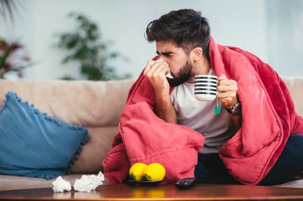 ما الفرق بين الإنفلوانزا والزكام ؟