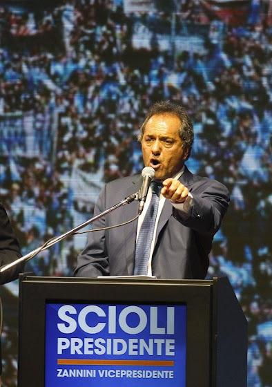 Demagogia agressiva do governista irritou ainda mais os eleitores argentinos