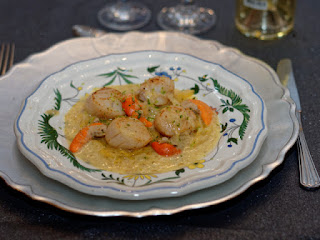 Coquilles St Jacques, compotée d'endives au curry