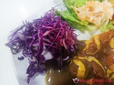 Salad, kobis Unggu Chicken Chop