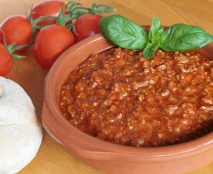 Tomato sauce with meat