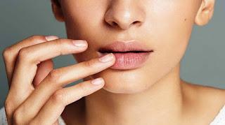 Cara Menghilangkan Bibir Hitam Menjadi Merah; Cepat dan Permanen