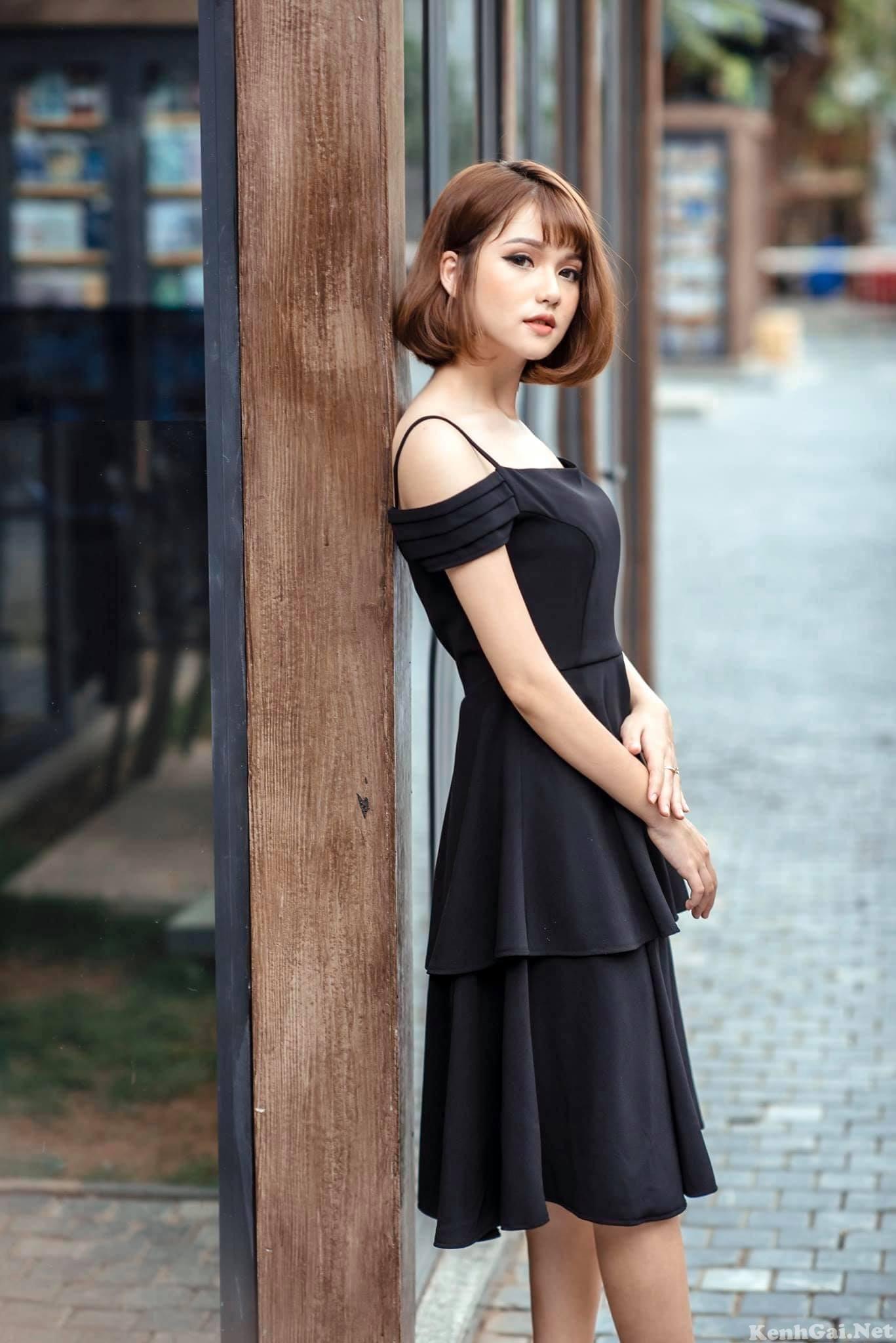 Model Nguyễn Khánh Huyền   E-CUP
