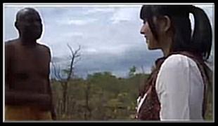 아프리카 원주민과 미소녀의 야외섹스 1