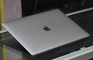Macbook Pro Retina 15 TouchBar Core i7 Mid 2018