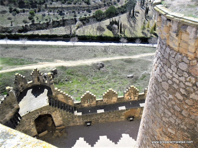 murallas y torres del Castillo de Belmonte