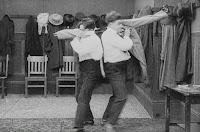 "Кадр из фильма Чарли Чаплина ""Танго-путаница"" (1914) - 18"