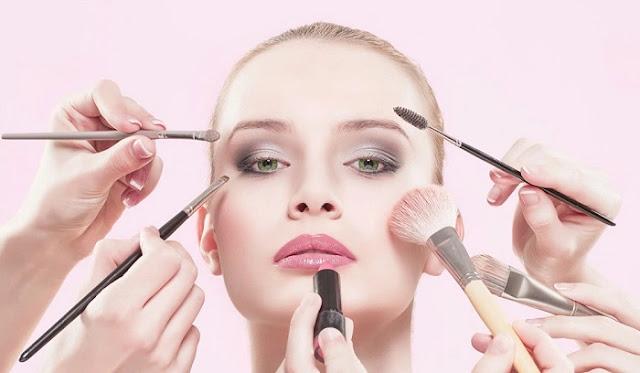 10 Langkah Makeup yang Baik & Benar Untuk Pemula