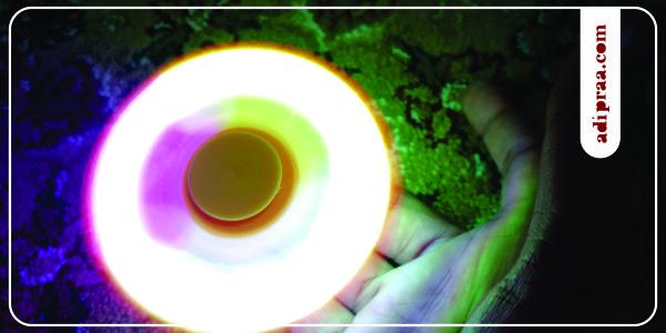 Fidget spinner dengan lampu LED saat berputar | adipraa.com