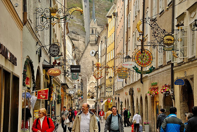 Where is the best place to shop in Salzburg?