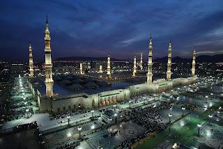 mendirikan masjid nabawi