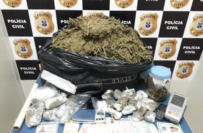 Motorista de aplicativo e comparsa são presos com drogas em Vitória da Conquista